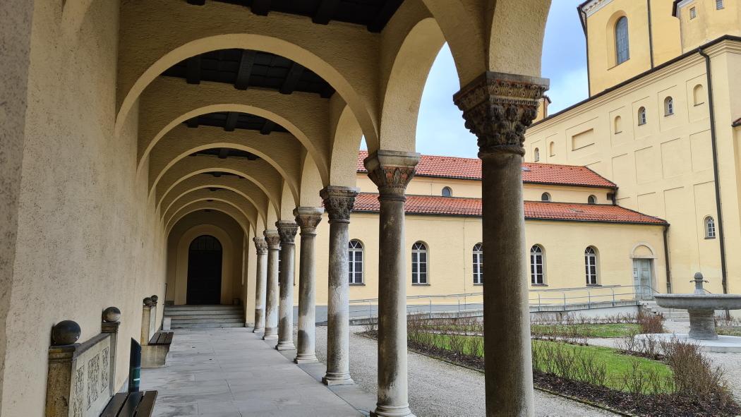 Säulen am Nordfridhof München